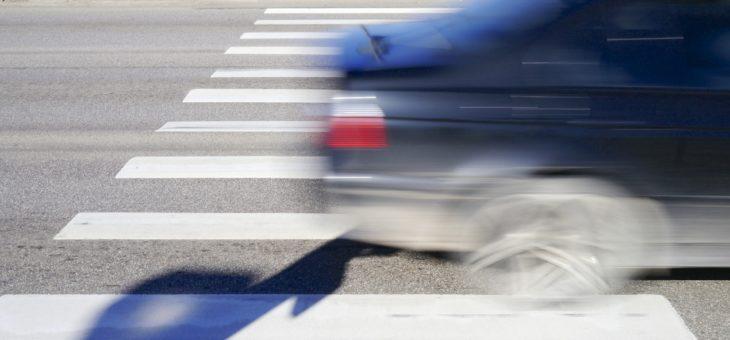 Штраф за пешехода на переходе: сумма, как правильно пропускать, ПДД